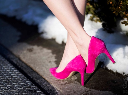 Toronto-Street-Style-Pink-Pointed-Toe-Pumps-Banana-Republic-Winter